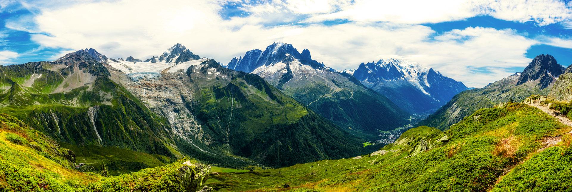 panoramic view during the trek