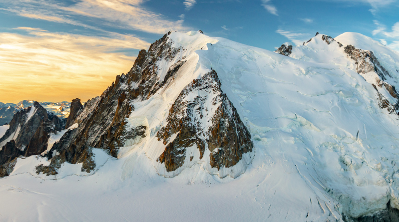 Mountaineering on the Cosmiques Ridge, Chamonix
